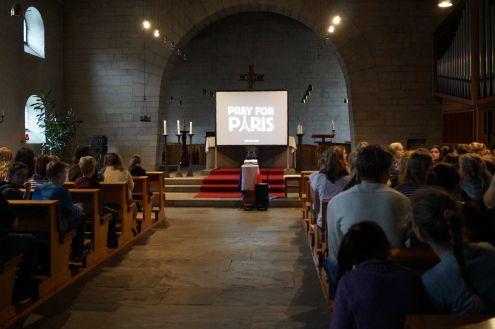 pray for paris Gebet und Meditation